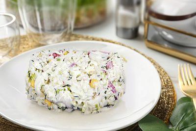 Салат из пекинской капусты с копченой колбаской